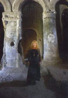 Loreena Mckennitt, Shine The Light, Raven, Mona Lisa, Death, Artwork, Painting, Work Of Art, Auguste Rodin Artwork