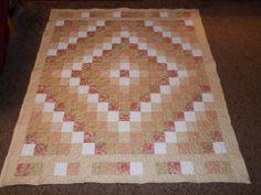 Trip Around the World Quilt. Made by Angela Spradlin. Hillside Hobby Quilts on Etsy :)