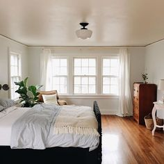 perfect bedroom: wall of windows, perfect shade of wood floors, light wall color. Dream Rooms, Dream Bedroom, Home Bedroom, Bedroom Decor, Bedrooms, Light Bedroom, Bedroom Simple, Bedroom Wall, Up House