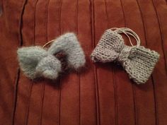 "Knitted hair bows by ""it's sew woolly"""