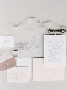 Blush and white wedding invitation paper suite | Photography: Simply Sarah - http://simplysarah.me/