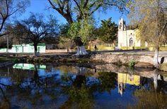 Iglesia y río en Nombre de Dios
