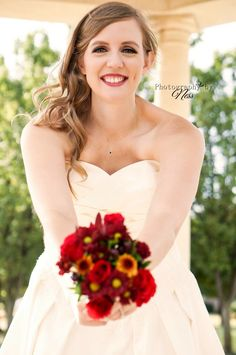Bridal Portrait Photography  www.facebook.com/PhotographybyNess