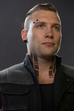 Jai Courtney as Eric---- omg I Think I need to make a Team Eric on divergent LOL