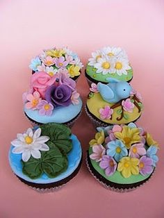 I'll Show You How To Prepare Quick And Easy Recipes Dsigned With Simple Fat Burning Foods To Banish Your Boring Diet And Burn Fat Faster! Garden Cupcakes, Spring Cupcakes, Cupcakes Flores, Flower Cupcakes, Yummy Cupcakes, Cupcake Cookies, Cupcake Art, Iced Cookies, Cakepops