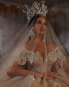6 Beautiful Wedding Dress Trends in 2020 Extravagant Wedding Dresses, Dream Wedding Dresses, Bridal Dresses, Wedding Gowns, Wedding Day, Wedding Nails, Destination Wedding, Modest Wedding, Wedding Lingerie