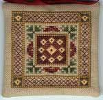 Aukabónus, hlekkur á munstur svipað því sem notað er í páfuglinn. An extrasomething, a link to a pattern similar to the corners of the TW Peacock Tapestry.