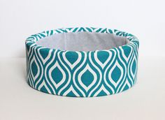 """12"""" Self Warming Modern Cat Bed, Turquoise & White Print"""