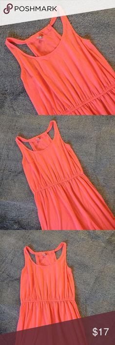 NWOT Bright Pink/Orange Old Navy Dress Sz Medium NWOT Bright pink/orange dress from Old Navy. Size Medium. Midi dress. Stretches. Loose fitting on the bottom half. NWOT.  62% Polyester.  33% Rayon. 5% Spandex.   Any questions? Feel free to ask.   Pet free home.  Smoke free home. Old Navy Dresses Midi