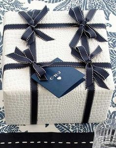 (A través de CASA REINAL) >>>>> The 50 Most Gorgeous Christmas Gift Wrapping Ideas Ever Family Holiday