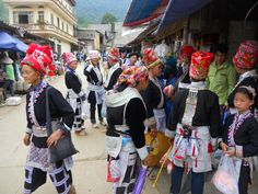 Muong Hum is small, yet active hill tribe market that contrasts favourably with the touristic Bac Ha and Can Cau markets