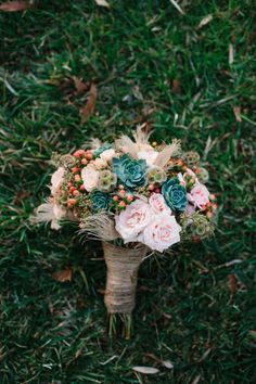 Fresh take on a garden rose bouquet // photo by Marianne Wilson fall wedding boquets / fall wedding boquette / fall wedding koozie / fall wedding flowers / fall wedding pallettes Teal Wedding Flowers, Teal Flowers, Floral Wedding, Wedding Colors, Wedding Bouquets, Wedding Ideas, Pink Roses, Wedding Veils, Wedding Dresses