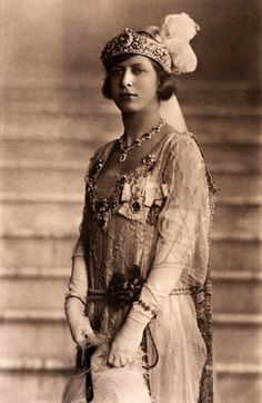 This is Princess Mary, Princess Royal, Countess of Harewood; only daughter of King George V and Queen Mary. She was the granddaughter of Mary Adelaide of Teck. Royal Princess, Princess Victoria, Prince And Princess, Queen Victoria, Regina Victoria, Princess Charming, Princess Beatrice, Wallis Simpson, Edward Viii