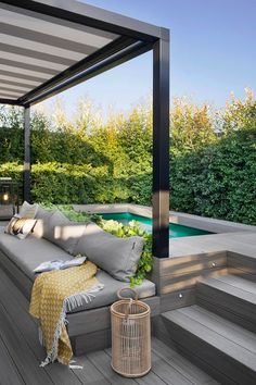 Studio Egue y seta, who worked on this modern apartment in Barcelona, ​​called the project 'private sunset'. Hot Tub Backyard, Small Backyard Pools, Small Pools, Swimming Pools Backyard, Lap Pools, Indoor Pools, Rooftop Pool, Pool Decks, Backyard Patio Designs