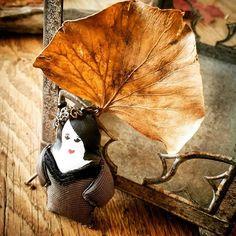 Jolie Samahé sous sa feuille de Judée nous annonce un automne doux et coloré. #flowleaf2015  #automne  #poupettes  #creationsoriginales #handmade