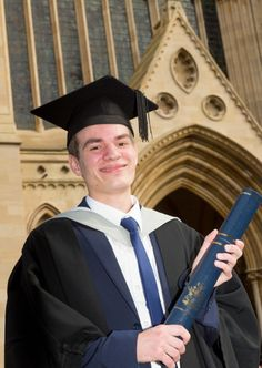 Graduation joy for St Albans student with Crohn's disease and Dyspraxia - Education - Herts Advertiser