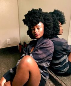 This free guide contains the key to getting soft natural hair. The key to soft natural hair revealed - © COPYRIGHT - Pelo Natural, Natural Hair Tips, Natural Hair Journey, Belleza Natural, Natural Hair Styles, Natural Beauty, Undercut Designs, Undercut Pixie, African Hairstyles