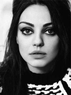 Goorrrgeeeous. Her face is SO symmetrical