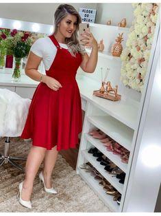 Floratta Modas - Moda Evangélica - A Loja da Mulher Virtuosa Classy Work Outfits, Curvy Outfits, Modest Outfits, Chic Outfits, Casual Dresses, Fashion Outfits, Long Dresses, Prom Dresses, Looks Plus Size