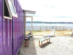 Cabaña Container N Borde Lago Parking, Outdoor Furniture, Outdoor Decor, Sun Lounger, Chile, Home Decor, Lakes, Apartments, Chaise Longue