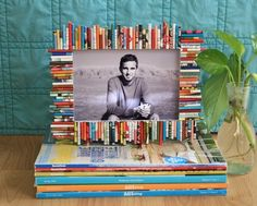 Picture Frame (NOTICE UNEVEN)  Maybe the most popular way to upcycle magazine pages is to turn them into beautiful picture frames.
