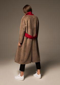 Women S Fashion Overnight Shipping Fashion 2018, Fashion Outfits, Iranian Women Fashion, Cool Coats, Girls Winter Coats, Fashion Details, Fashion Design, Winter Mode, Branded Shirts