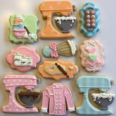 "191 Likes, 32 Comments - Brenda Hoye (@redcottagecookieco) on Instagram: ""The whole set! My favorite ever! ❤❤❤ #bakingcookies #kitchencookies #sugarcookies #mixercookies"""