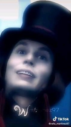 Johnny Depp Willy Wonka, Young Johnny Depp, Johnny Movie, Johnny Depp Movies, Cute Celebrity Guys, Cute Celebrities, Junger Johnny Depp, Johnny Depp Characters, Friendship Photography