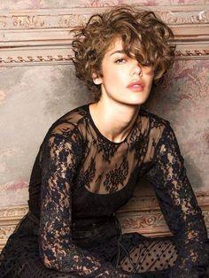28 fantastiche immagini su capelli ricci | Capelli, Capelli