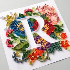 Arte Quilling, Quilling Letters, Paper Quilling Patterns, Quilled Paper Art, Quilling Paper Craft, Quilling Flowers, Paper Flowers, Paper Crafts, Paper Letters