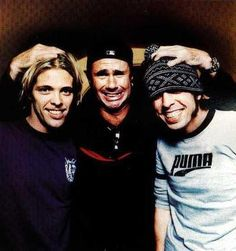 Three of the most amazing drummers in this world, in one picture. Brian Molko, Dave Grohl, Music Is Life, My Music, The Sky Tonight, There Goes My Hero, Taylor Hawkins, Foo Fighters Nirvana, Jane's Addiction