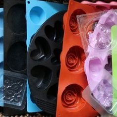 Ultimate Guide to Soap Molds including silicone and custom soap molds - Home Made Soap How To Make Rose, Green Soap, Recycling, Olive Oil Soap, Rose Soap, Oil Candles, Lavender Soap, Soap Making, Making Oils