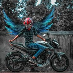 Moto Bike, Motorcycle Bike, Black Hd Wallpaper, Eyes Wallpaper, Pulsar Rs 200, Bike Meme, Biker Photography, Creative Photography, Image Moto