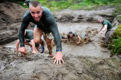 Are you looking to master your next obstacle course? Check out this top 10 obstacle course training tips and you'll be sure to improve your time and ability. Hiking Training, Race Training, Training Tips, Obstacle Course Training, Obstacle Course Races, Extreme Activities, Rugged Maniac, Mud Run, Tough Mudder