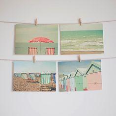 Jeu de carte postale, bord de mer Art, photographie plage, couleurs Pastel, Art abordable, cabines de plage, chaises longues-vacances