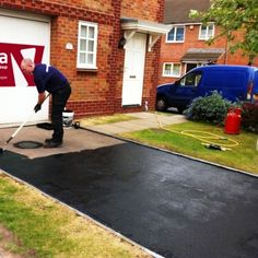 Turn Your Blacktop Gray With New Color Grade Driveway Sealer For The Home Pinterest