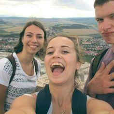 Ešte jedna z hradu! 💞 možno ich bude ešte viac. 👌😊 #friends #camp #trip #travel #slovakia #insta_svk #slovakgirl #americanboy #fun #castle #instaphoto #selfie #svojka #happiness #slovakblogger #dnescestujem #priatelia