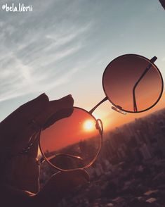 "Foto estilo ""tumblr"" - óculos de sol e paisagem"