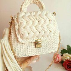 Free Crochet Bag, Crochet Tote, Crochet Handbags, Knit Crochet, Crochet Bag Tutorials, Creative Knitting, Yarn Bag, Beaded Brooch, Knitted Bags