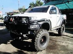 Now Good condition Toyota Hilux vigo for sale from japan!! More Info: http://www.japanesecartrade.com/mobi/cars/toyota/hilux #Toyota #Hilux #JapanUsedPickups