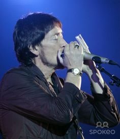 Chris Rea in concert during his Farewell Tour