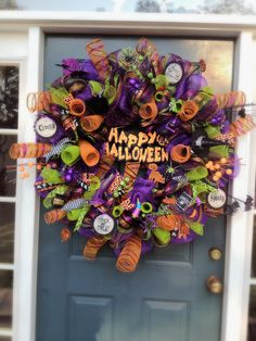 Kristen's Creations: Halloween Mesh Wreath I haven't seen a single design of hers that I didn't Love!I wanted to share this Halloween mesh wreath I made for a friend of mine. Halloween Door Wreaths, Halloween Door Decorations, Halloween Themes, Holiday Decorations, Autumn Crafts, Holiday Crafts, Holiday Ideas, Halloween Trick Or Treat, Halloween Gifts