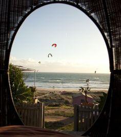 Sol y mar en 'Cadizfornia'   El Viajero en EL PAÍS