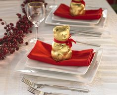 Lindt Bear plate setting