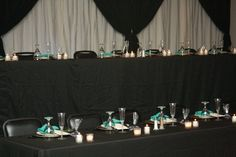 gorg!  black and white head table