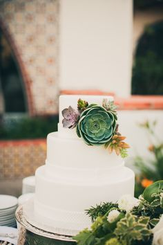 Wedding Cake Decor | Succulents | Photography: Zoom Theory | On SMP: http://www.stylemepretty.com/2013/11/20/modern-malibu-wedding-from-zoom-theory