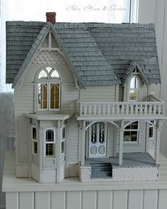 lovely doll house. Aiken House & Gardens...Love this!  Reminds me so much of my little Victorian home!