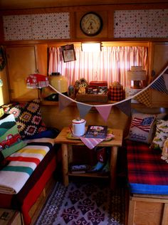 Shelter for camping and the bedding you will need for sleeping is really important to any camper. Make certain that you load all your blankets and camping tents if you are preparing an over night journey. Vintage Cabin, Vintage Rv, Vintage Caravans, Vintage Travel Trailers, Decor Vintage, Trailer Interior, Trailer Decor, Camper Interior, Diy Camper