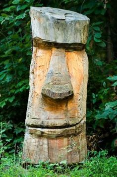 So simple yet you know exactly what it is Holzschnitzen , So simple yet you know exactly what it is So simple yet you know exactly what it is. Wood Log Crafts, Diy Wood Projects, Tree Carving, Wood Carving Art, Tree Sculpture, Sculptures, Tiki Head, Tiki Statues, Tiki Totem