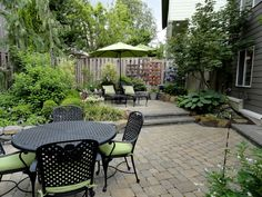 "How to Create ""Lazy"" Garden, Creating a ""lazy"" garden, important to follow nature's ""prompts"" as closely as possible. landscaped, natural style will be ideal options for a ""lazy"" garden. Rustic (country) style is also possible. forget about classic style: strict forms and streamlined lines can not be combined with our maintenance-free garden.  If you want to create a rocky garden, give preference to rockeries, which repeats outlines of natural rock debris or other natural scenery."